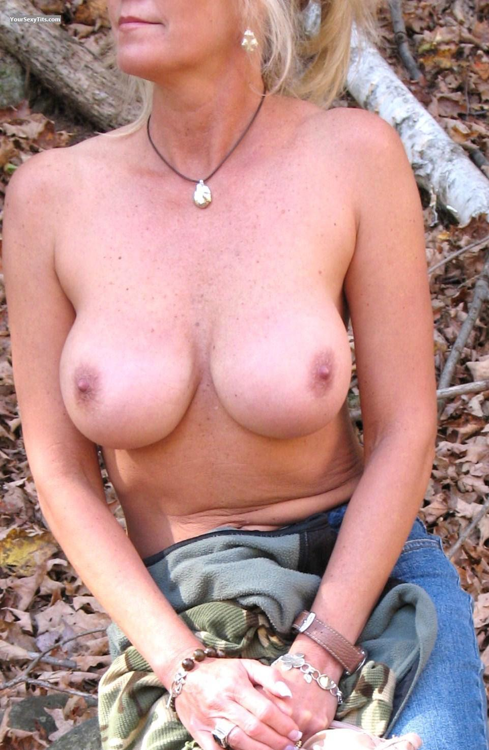 Tit Flash: Big Tits - Jenn from United States